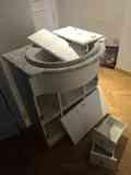 Mueble de baño completo y casi desmontado