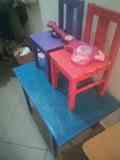 Mesa y dos sillas infantiles