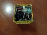 Caja con perlitas para manualidades