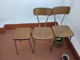Juego de dos sillas y taburete