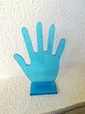 Regalo mano de plástico para anillos y pulseras. (Victors)