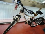 Bicicleta rota