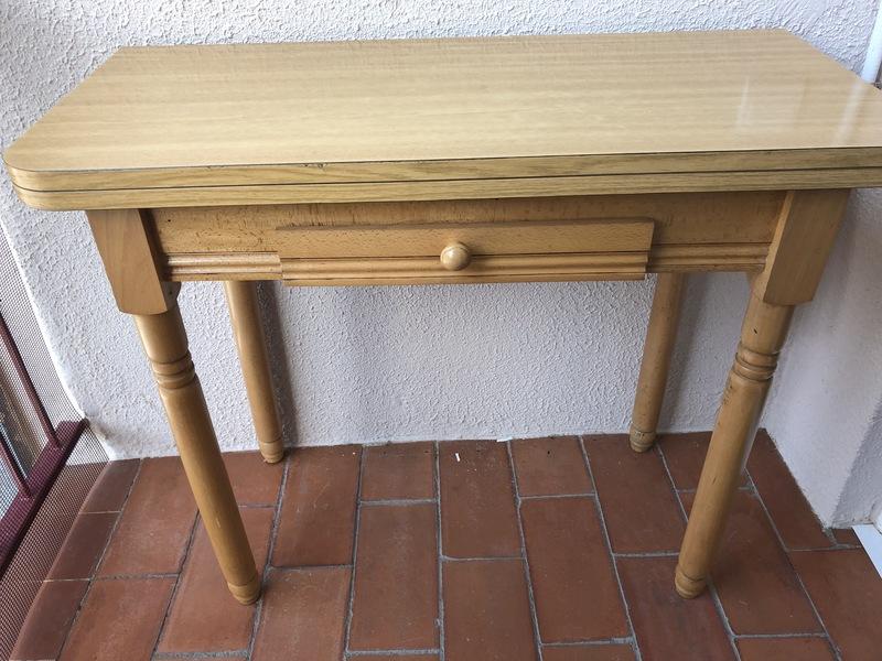 regalo - Mesa de cocina extensible de madera - Barcelona ...