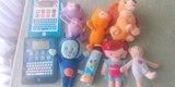 Peluches y juguetes varios