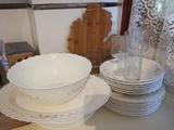 Regalo platos Arcopal y copas medianas y pequeñas