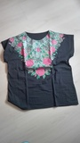 Camiseta negra flores. Talla XL(mayte8)