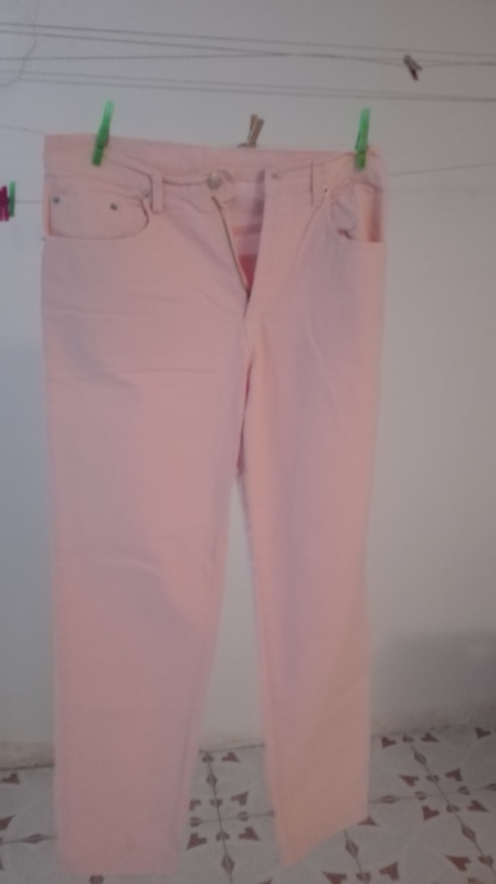 Pantalón rosa. Talla 46