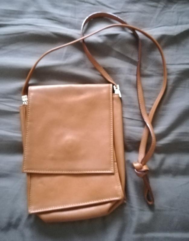 Regalo bolso bandolera marrón.