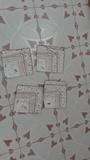 Cuatro servilletas con tonos marrones
