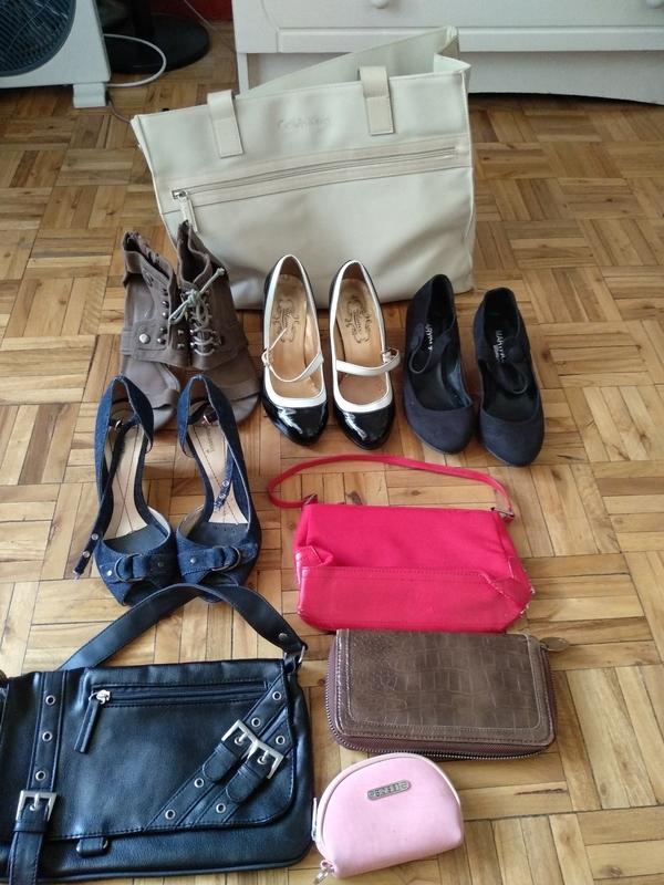 Tacones y bolsos (Rakel Mou)
