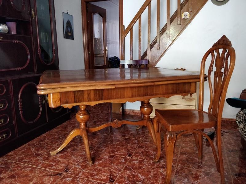 Regalo mesa comedor y seis sillas