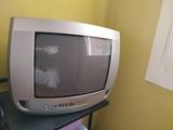 Regalo televisor antiguo Philips.