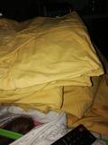 Camisas amarillas de uniforme 50 y 54