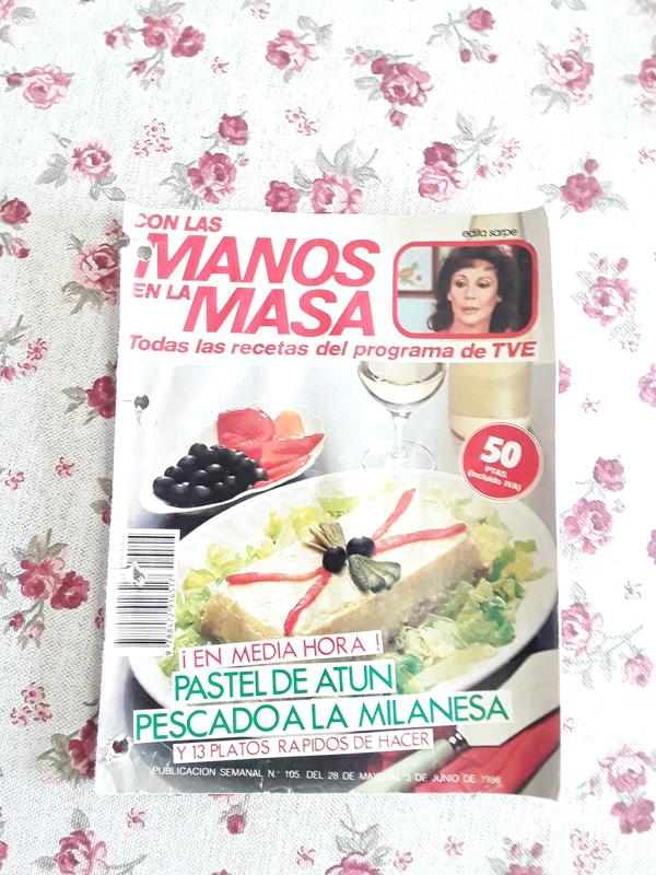 """Revista de recetas """"Con las manos en la masa""""."""