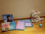 Regalo juguetes y libros