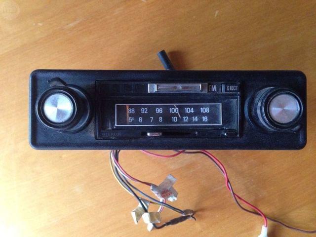 Radio cassette clásico para coche