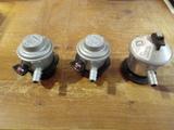 3 reguladores de gas