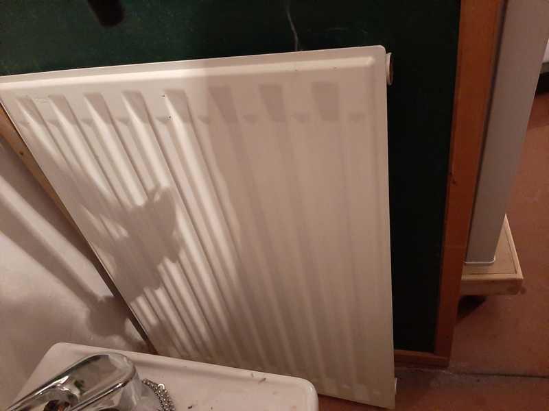 Regalo radiador pequeño, de chapa