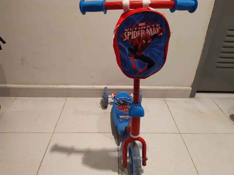 Patinete de Spider-Man