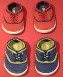 Dos pares de zapatillas de niñ@.