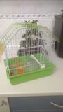 Jaula nueva para pájaro pequeñito