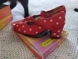 Zapatos sevillana niña