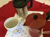 Cafetera pequeña (2 tazas) tacita desayuno. Vaso de café, etc