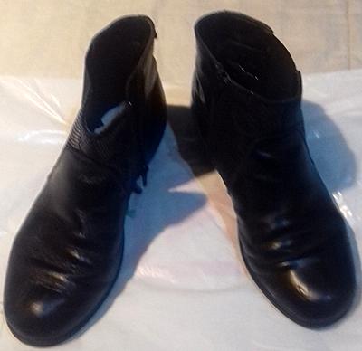 Botines negros unisex, talla 39 - 40.