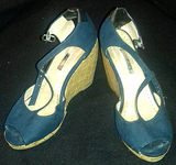 Sandalias azules de tacón alto Nº 35.