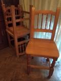 3 sillas de madera de pino