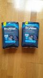 Dos bolsas de pañales Dry nites sin abrir