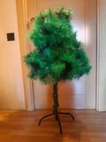 Regalo 2 árboles  de navidad  Luces de navidad, figuras, centro de mesa y decoración de navidad.