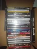 Caja con CDs variados