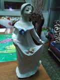 Figura dama porcelana