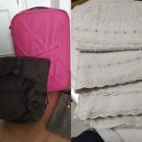 Trolley, mochila y toallas