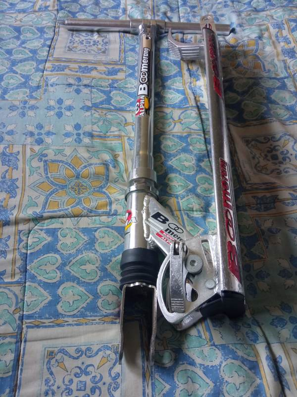 Estructura de patinete Boomerang