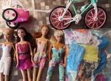Barbies genéricas y accesorios